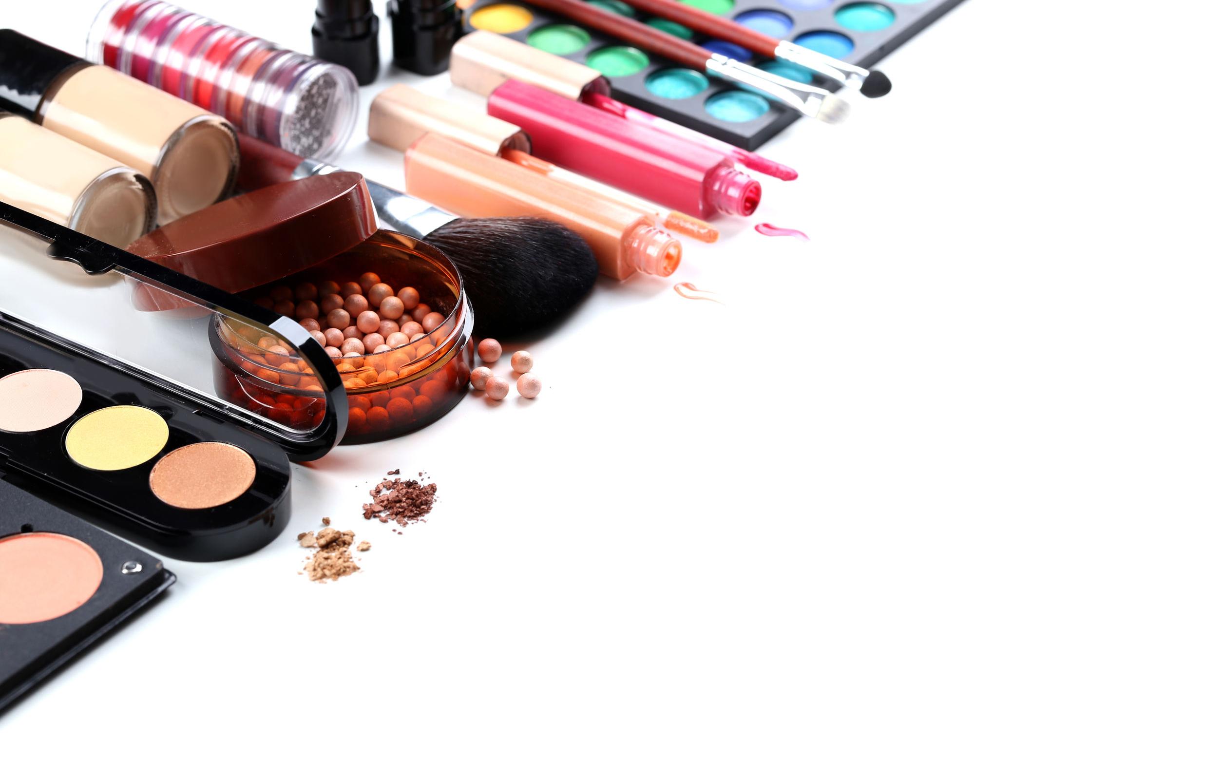 10 Ingredientes dañinos en tus cosméticos que no conocías ¡Descúbrelos!